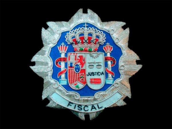 Escudo para toga fiscales justicia fondo negro