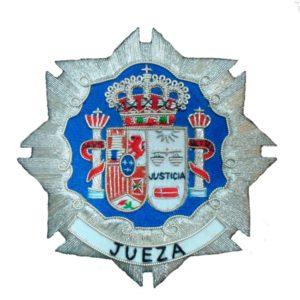 Escudo para toga jueza fondo blanco