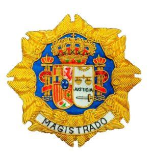 Escudo para toga magistrado justicia fondo blanco