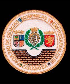 Escudo para toga Economicas Zaragoza fondo negro