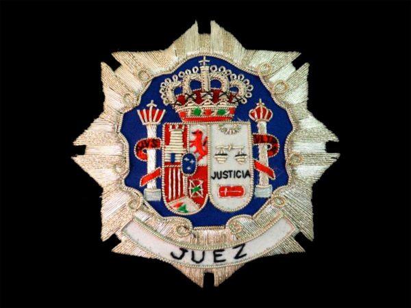 Escudo para toga juez fondo negro