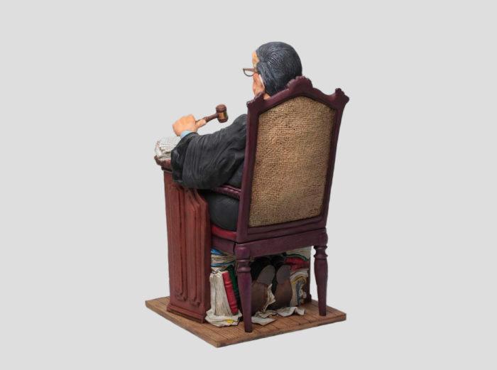 El Juez Forchino trasera