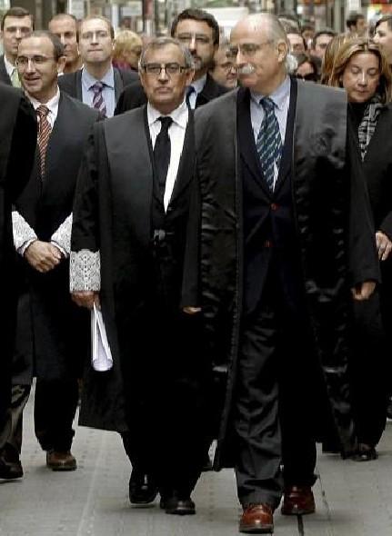 toga para abogados y jueces